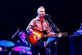 billy bragg live glastonbury festival england 25 06 1995