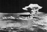 Atomic bomb Hiroshima_ 1945