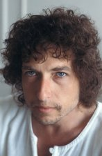 singer-bob-dylan-eyes-star-hair