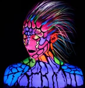 uv-glowing-paint4-e1406364101176-289x300